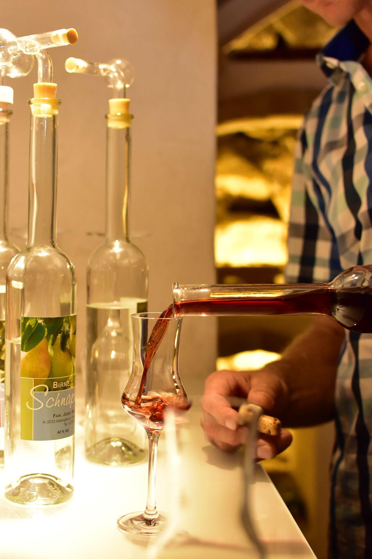 Weinkeller Schnapsverkostung